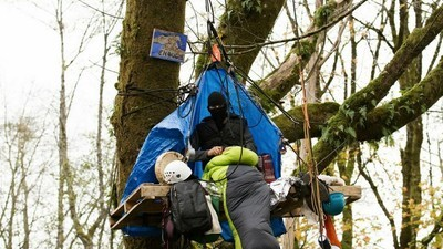 Inside Canada's Indigenous Burnaby Mountain Protest Camp