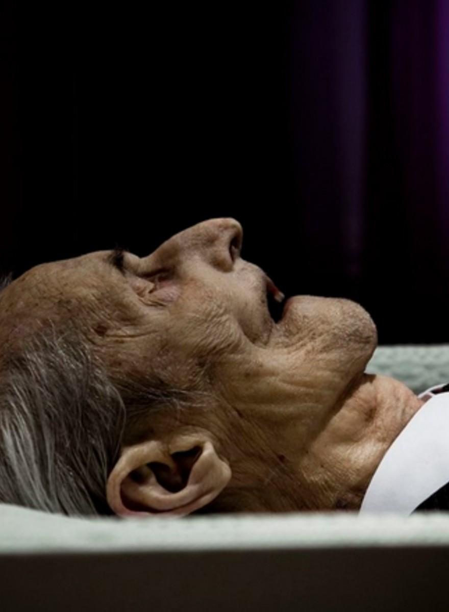 Fotky mého dědečka v jeho rakvi