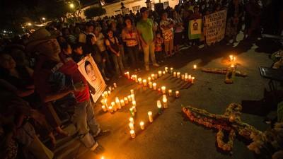 Identifican a uno de los estudiantes normalistas desaparecidos entre los restos calcinados encontrados en el río San Juan