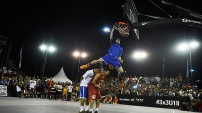 The Crazy, Beautiful World of Filipino Basketball