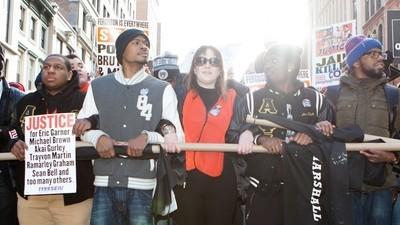 Op zaterdag namen demonstranten tegen politiegeweld New York over