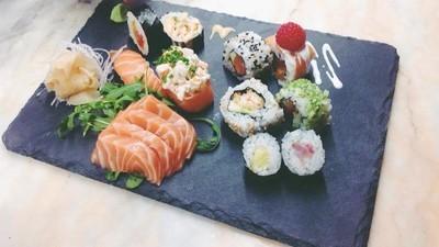 As únicas bolas que são precisas para fazer sushi são as bolas de arroz
