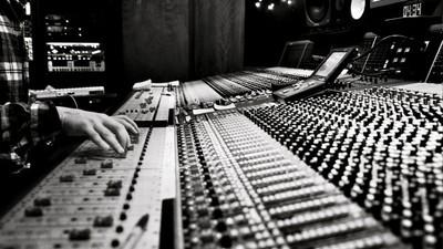 In fünf einfachen Schritten zum EDM-Superstar