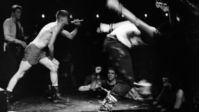 Fotograful ăsta a scos ce-i mai înfricoșător din Los Angelesul anilor 70