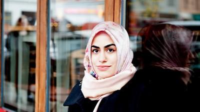 Muslime sollten sich aus Menschlichkeit distanzieren dürfen, nicht aus Zwang