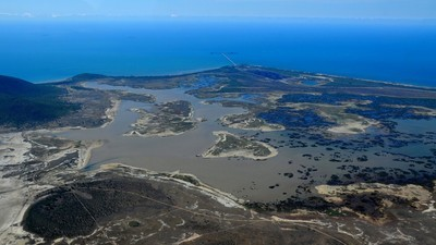 Will Dredge Spoil From the Reef Destroy the Caley Valley Wetlands?