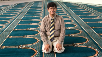 Meet the British Muslim Who's Founded a Controversial Gay-Friendly Mosque