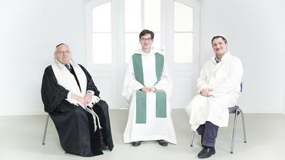 Een priester, een rabbijn en een imam praten over humor