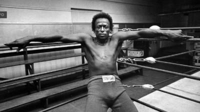 Don't Hit Me in the Mouth, I Gotta Play Tonight: Miles Davis and Boxing