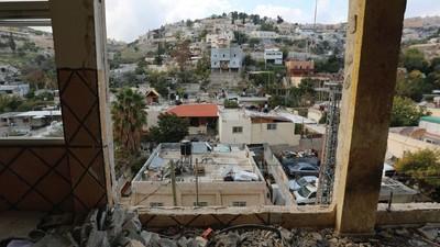Mit Bulldozern auf die Familien mutmaßlicher Terroristen schießen