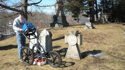 À la recherche des tombes perdues