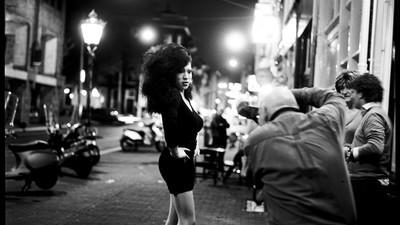 Bart Koetsier fotografeert het liefst 's nachts op straat