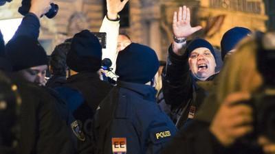 Vienna's PEGIDA Rally Was Full of Far-Right Assholes