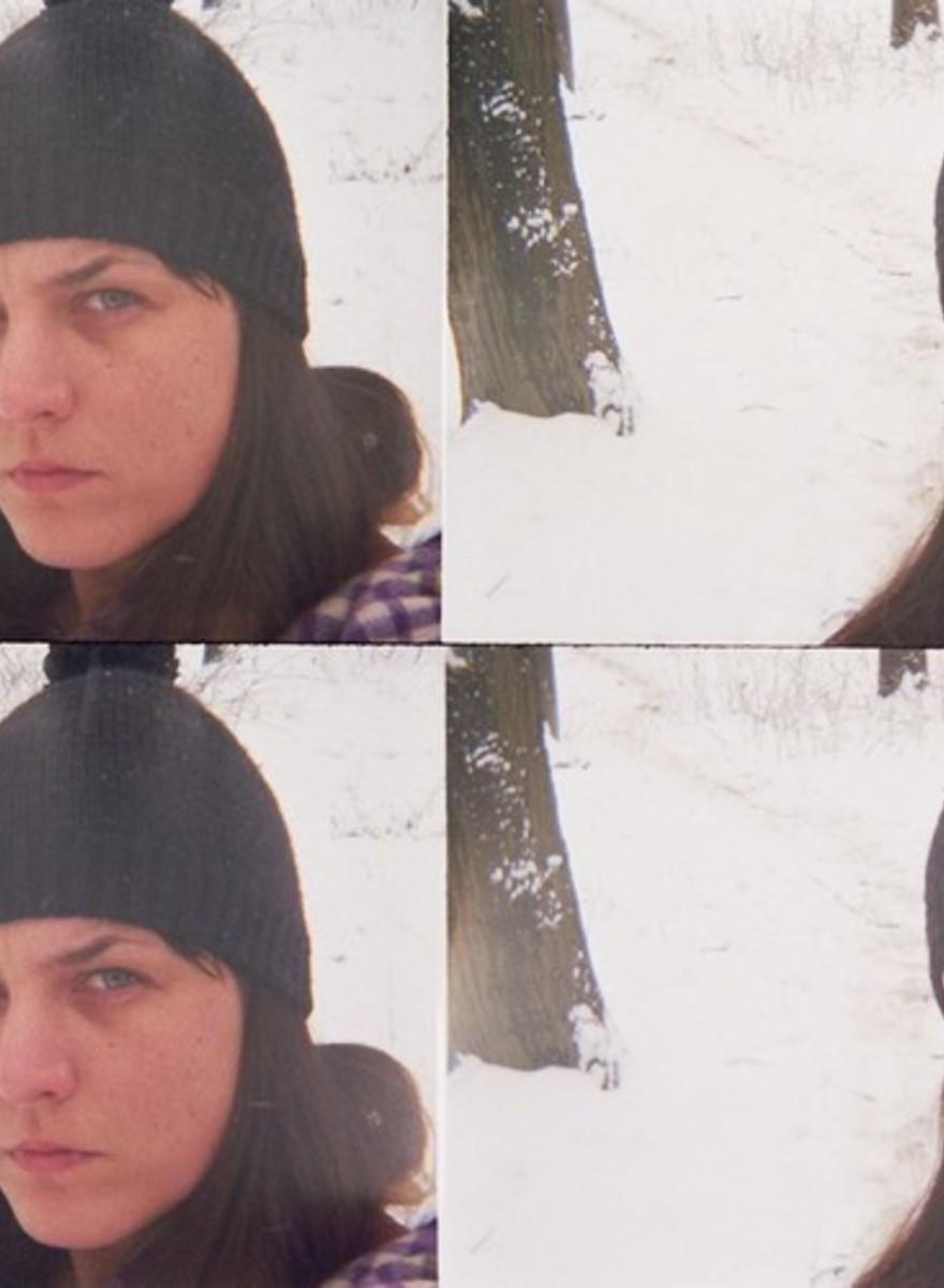 La fotografa serba che si fa i selfie sulle scene del crimine