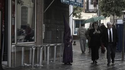 Hasta el arzobispo de Sevilla está hasta los huevos de las procesiones