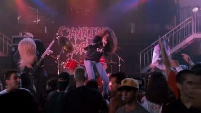 Cannibal Corpse nous racontent enfin tout sur leur apparition dans Ace Ventura