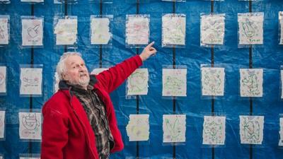Deze Groninger schilderde een jaar lang zijn eigen drollen na
