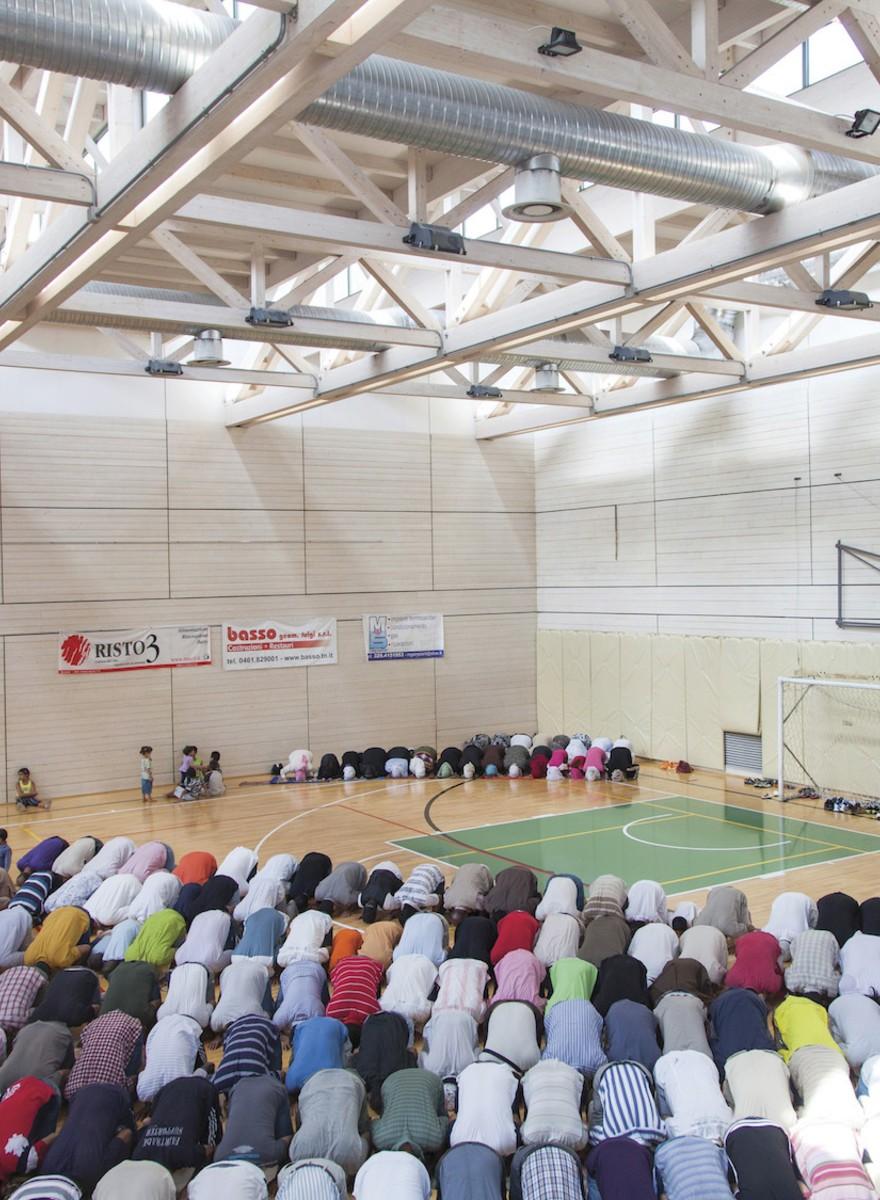 Nicolò Degiorgis ha fotografato l'Islam nascosto italiano