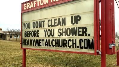 Ich habe einen Gottesdienst der First Heavy Metal Church of Christ besucht