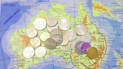 Meet the Indonesians Trying to Repay Australian Aid Money in Spare Change