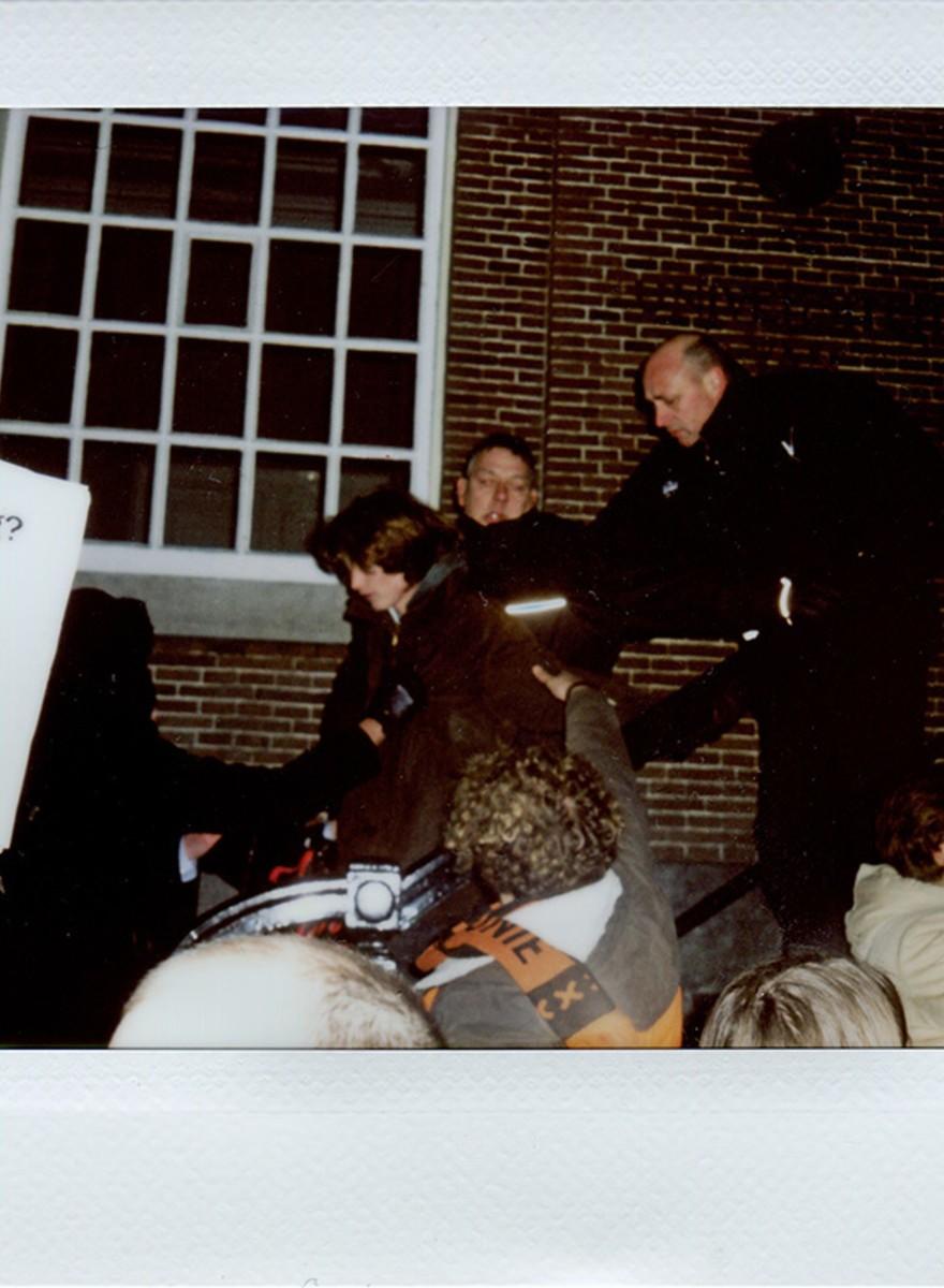 De spontane bezetting van het Maagdenhuis in stemmige Polaroids