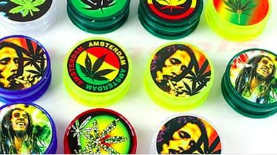 Hört bitte auf, Bob Marleys Gesicht für schreckliches Merchandise zu missbrauchen