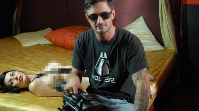 L'incredibile storia di Matteo Swaitz tra rave illegali, TruceKlan e cinema porno