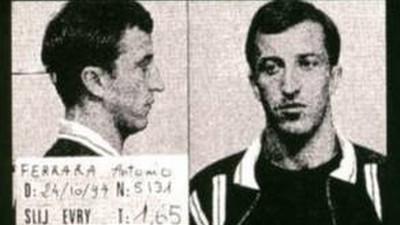 Voitures cramées et armes de guerre : l'histoire de l'évasion de Fresnes