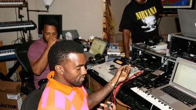 Kanyes Liebeslied für Kim Kardashian ist soeben im Netz erschienen
