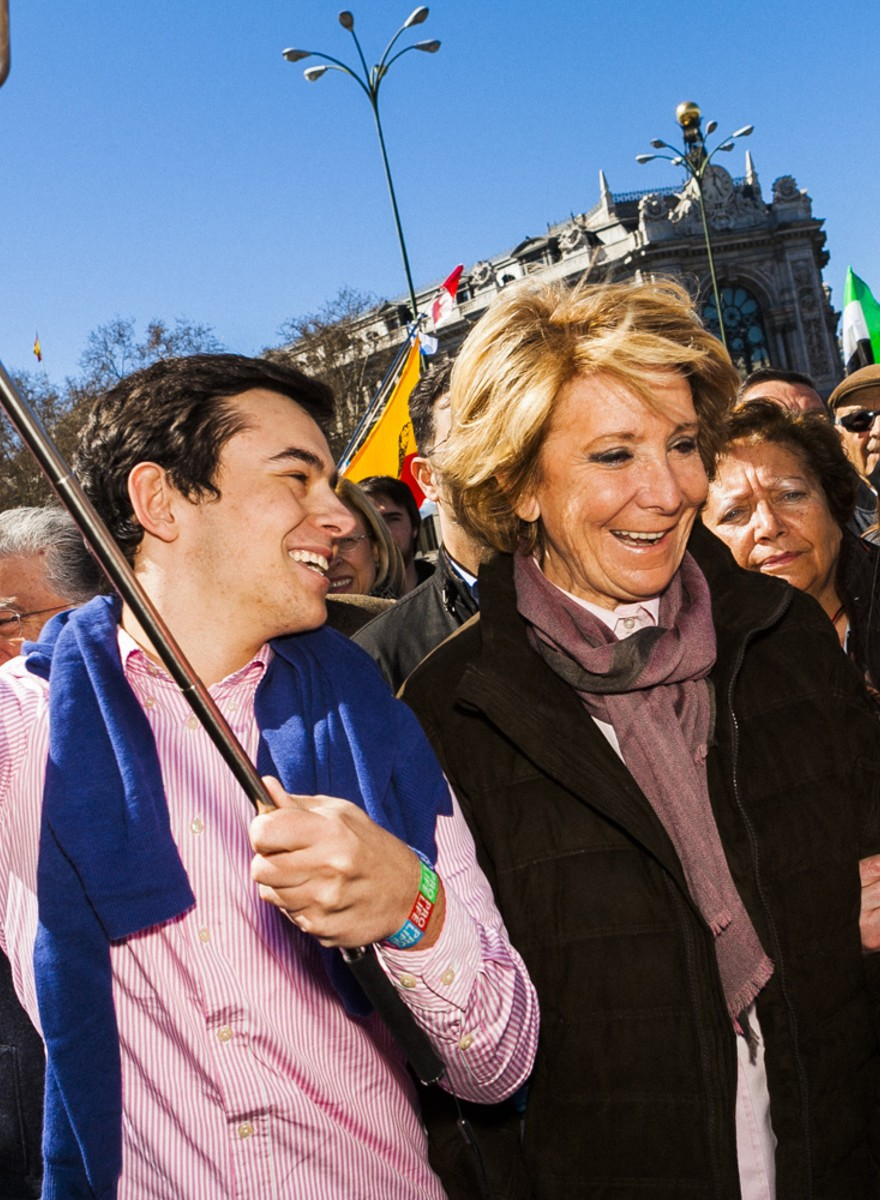Esperanza Aguirre, la marcha antiabortista y los palos para hacer selfies