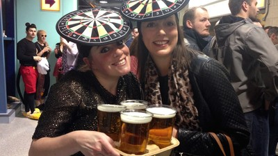 Meeting England's Drunk, Dedicated Darts Fans