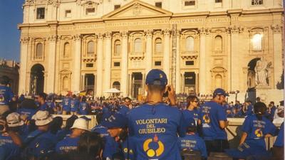 La volta che ho spiaccicato un cono in faccia a un papa boy e altri ricordi dal Giubileo del 2000 a Roma