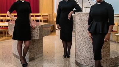 As Pastoras da Inglaterra Querem se Vestir para Si Mesmas e para Deus