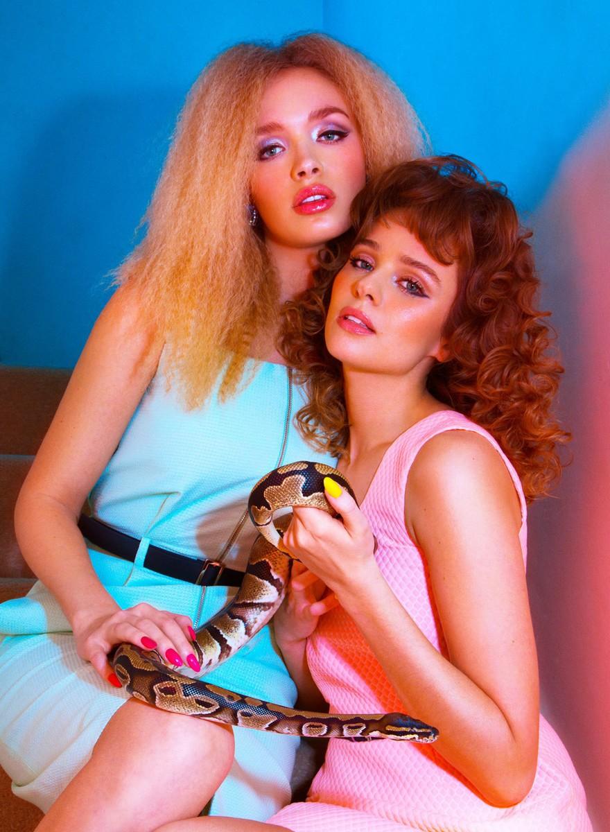 Moda: chicas con reptiles