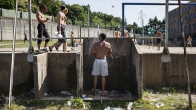Dentro le prigioni francesi