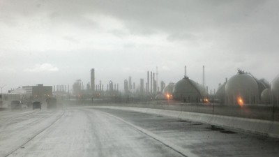 Oil-Refinery Workers in Texas Picketed for Their Lives