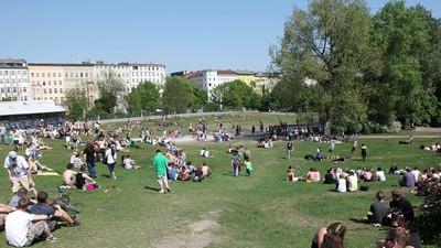 Dieser Typ will morgen mit 2.000 Leuten in einem Berliner Park kiffen