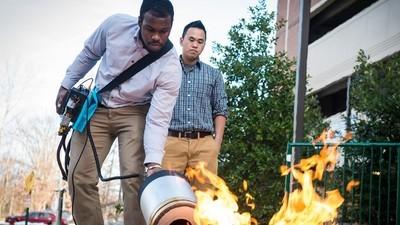 Diese Ingenieure nehmen einen Subwoofer zum Feuerlöschen