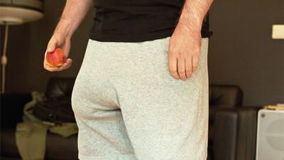 Ainsi va la vie avec un pénis en silicone géant