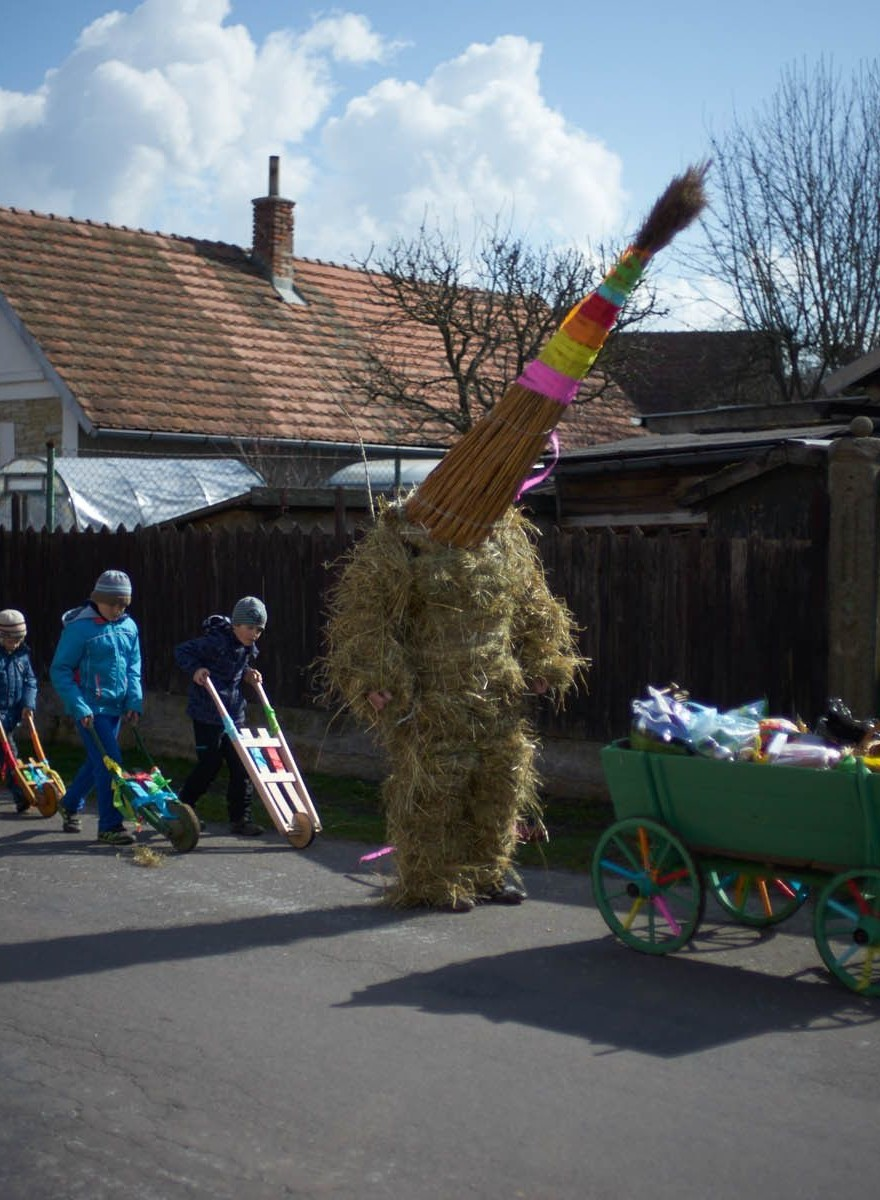 Teens Covered in Hay Walk Through Czech Villages Every Easter and Nobody Knows Why