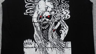 Algunas camisetas de thrash y death metal
