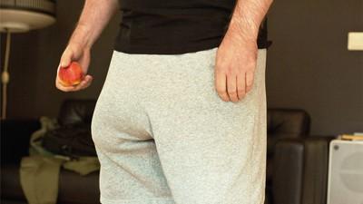 Leven met een gigantische, met siliconen opgespoten penis