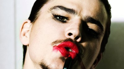 [ i-D ] Mario Testino nos habla de moda y erótica masculina