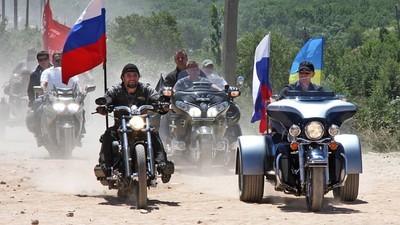 Wir haben uns mit dem Anführer von Wladimir Putins Lieblings-Biker-Club unterhalten