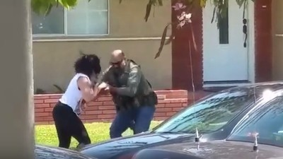 A US Marshal Smashed a Woman's Phone Because She Was Filming Him in Public