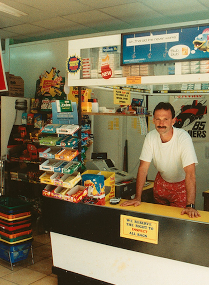 Photographing the Last of Australia's Milk Bars