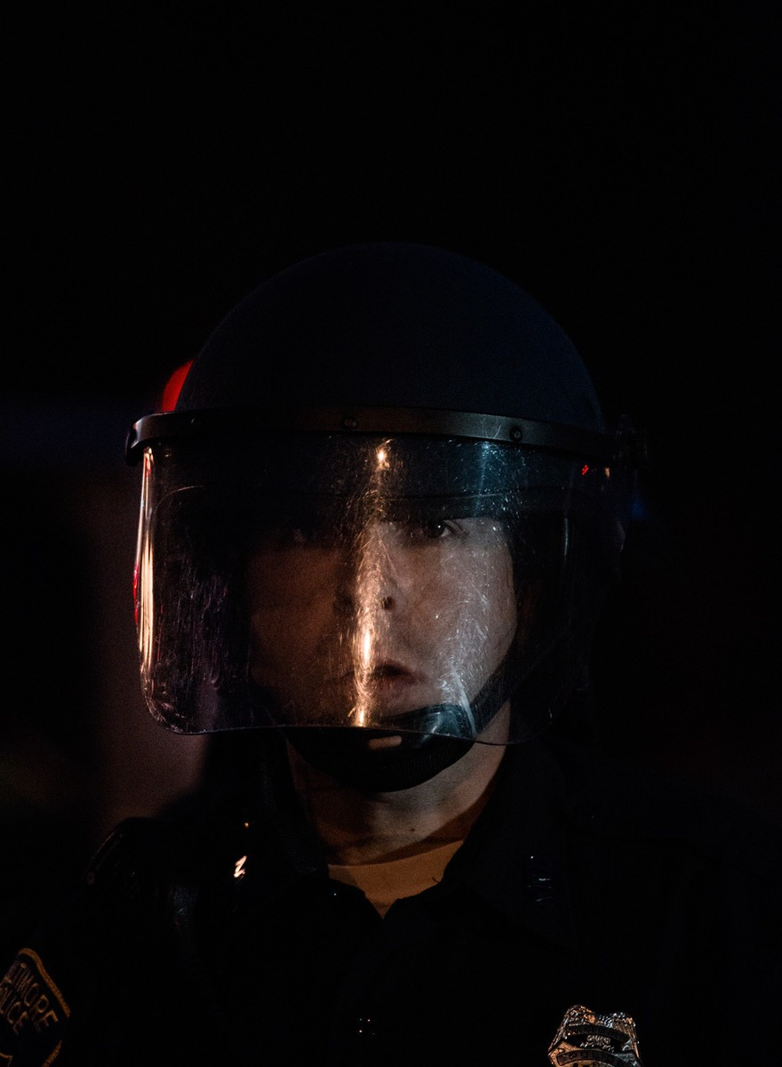 Ritratti dei poliziotti di Baltimora poco prima della rivolta