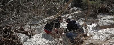 Κάποιοι στη Βόρεια Ελλάδα Ψάχνουν στα Βουνά για να Βρουν Χρυσές Λίρες