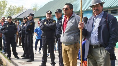 Gitanos contra policías en un campo de fútbol