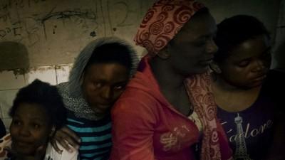 Así se vive en una cárcel para mujeres inmigrantes en Libia